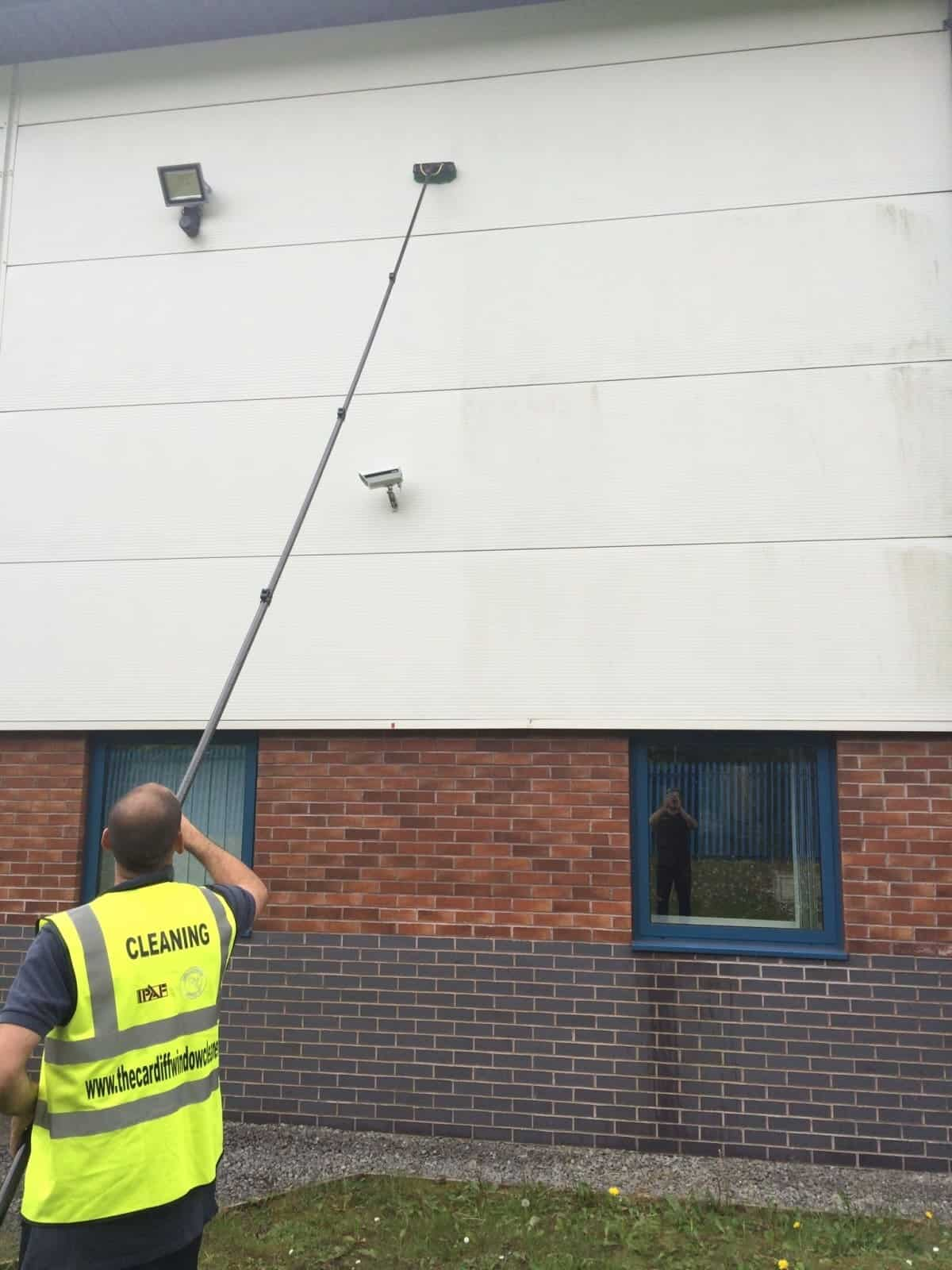 Photo 13 cardiff window cleaning for 13 window